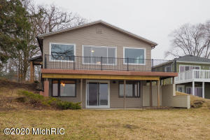 10165 Woodlawn Drive, Portage, MI 49002