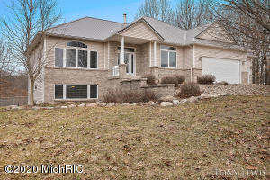2487 Kiser Road, Middleville, MI 49333