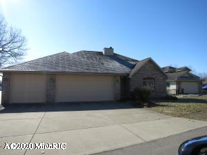 1106 N Eagle Lake Drive, Kalamazoo, MI 49009