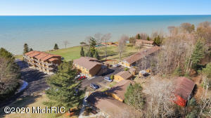 76648 11th Avenue, South Haven, MI 49090