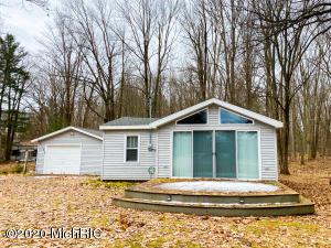 5167 N Ford Lake Road, Fountain, MI 49410