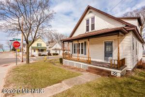 305 Park Street, St. Joseph, MI 49085