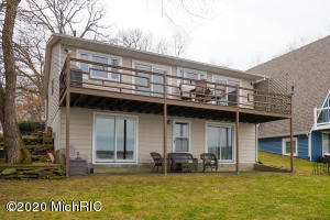 829 Lakeview Drive, Portage, MI 49002