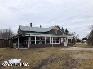 7115 S Deer Lake Road, Reed City, MI 49677