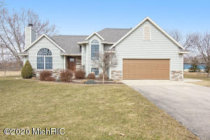 6355 12 Mile Road NE, Rockford, MI 49341