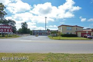 631 W Norton Avenue, Muskegon, MI 49441