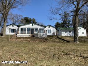 4024 E Gull Lake Drive, Hickory Corners, MI 49060