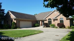 160 Meadowwood Court, Decatur, MI 49045