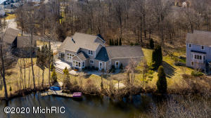 18030 Pettys Lane, Spring Lake, MI 49456