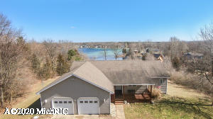 434 N Payne Lake Road, Middleville, MI 49333