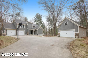11280 Discovery Woods, Greenville, MI 48838