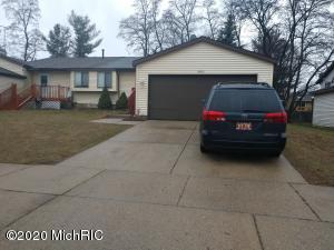 Welcome to 5905 Pine vista , This home offer a 3 bedrooms and 2 full bath,2 attached garage.Newer roof, furnace and ready for a new owner.It won't last long.Buyer and Buyer agent to verified this information.