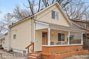 Well kept home features 3 Bedrooms, 2 Full Baths and full finished basement with 2 non-conforming bedrooms. This property was completely renovated in 2009/2010 with new replacement windows, roof, plumbing, Electrical, insulation. Easy to show and shows well.