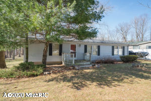19112 Merry Road, Grand Junction, MI 49056