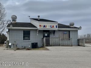 4133 W Polk Road, Hart, MI 49420
