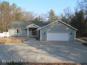 1350 W Timber Trail Drive, Whitehall, MI 49461