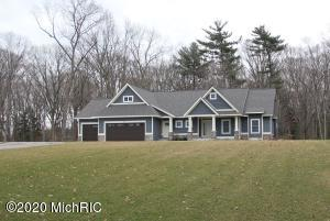 31 152nd Avenue, Holland, MI 49424