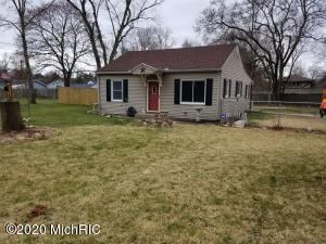 51035 Forestbrook Avenue, South Bend, IN 46628