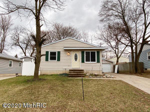 This cute Wyoming ranch is move in ready! Freshly painted with an updated kitchen with stainless steel appliances, 3 bed 1 bath. Particially finished lower level, laundry area and plenty of storage. 2 stall garage and a nice sized yard. Schedule your tour today.
