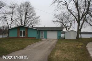 8698 Tecumseh Trail, Howard City, MI 49329