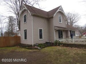 230 5th Street, Burr Oak, MI 49030