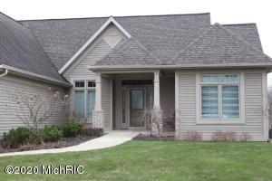 1761 Woodside Trail NW, Grand Rapids, MI 49504