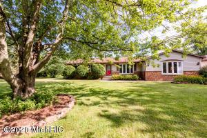 205 Walnut Street, Three Oaks, MI 49128