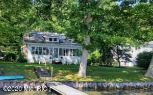 371 S Gull Lake Drive, Richland, MI 49083