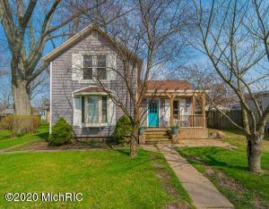 506 N Elm Street, Three Oaks, MI 49128