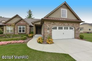 12209 Tullymore Dr, Stanwood, MI 49346