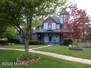 Gorgeous 6 bd, 4.5 bath home w/ attached apartment. Apt. has own kitchen, a/c, newer furnace, laundry & updated bath. 9' ceilings and beautiful hardwood stairs, trim & molding. New roof and flooring throughout. Wood burning fireplace. Custom cabinetry & new appliances in kitchens. New furnace & a/c for main house. Spiral staircase to 4th level office in turret with view above neighboring homes. Ceilings fans, walk-in closets, and intercom throughout. Tons of storage. Rm. for pool table & man cave in basement. New garage doors & openers. Extra large corner lot on quiet cul-de-sac w/ trails & incredible park w/ skateboard ramps, basketball, tennis, water park & abundant playground equip. In Princeton Estates, close to Hwy 6, shopping, movies, ice skating & swimming. Pre-approved buyers only.