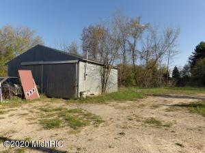 645 Perry Road, Vermontville, MI 49096