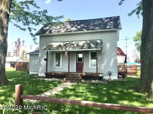 127 Maple Street, Lake Odessa, MI 48849