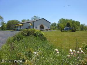 8645 Red Bud Trail, Berrien Springs, MI 49103