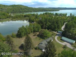 4548 W Northwood Drive, Glen Arbor, MI 49636