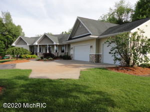 855 Pheasant Ridge Drive, Hastings, MI 49058