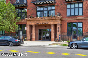 Amazing Union Square Condo in Downtown Grand Rapids!!!This quiet end unit comes with beautiful west facing views and a large private outdoor balcony to relax on.  2BD 2BA includes personal in-unit laundry area. The 1,250 SF spacious floor plan with everything all on one level (no stairs) and your own private garage #73 makes this one of the most desirable and best values currently in Union Square! Enjoy city living at its finest with fitness, pool and rec area amenities available as well! Seller is including the beautiful and elegant window coverings ($6,000 value). LIVE in person OPEN HOUSE this Saturday June 6th from 9:30-11am.  Schedule your showing today! All offers due this Saturday June 6 at 6 pm !!!