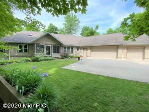 19127 Pardee Road, Galien, MI 49113