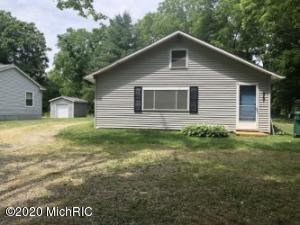 457 S Burr Oak Road, Colon, MI 49040