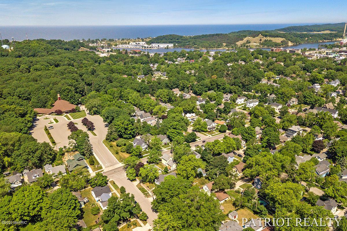 509 Colfax Avenue Grand Haven MI 49417