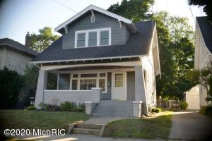 Beautiful must see home in Richmond Park.  This home features original woodwork throughout. A lot of recent work has been completed including refurbished floors, new paint, 2018 furnace, and 2019 roof with warranty. Nice back yard and large deck to sit and enjoy those summers. This home situated on a quiet street is close to many great shops and restaurants.