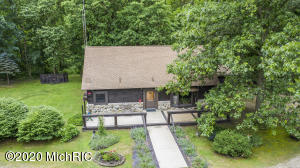 2941 Williams Lane, Riverside, MI 49084