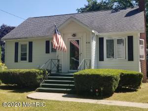 412 Birch Street, Breckenridge, MI 48615
