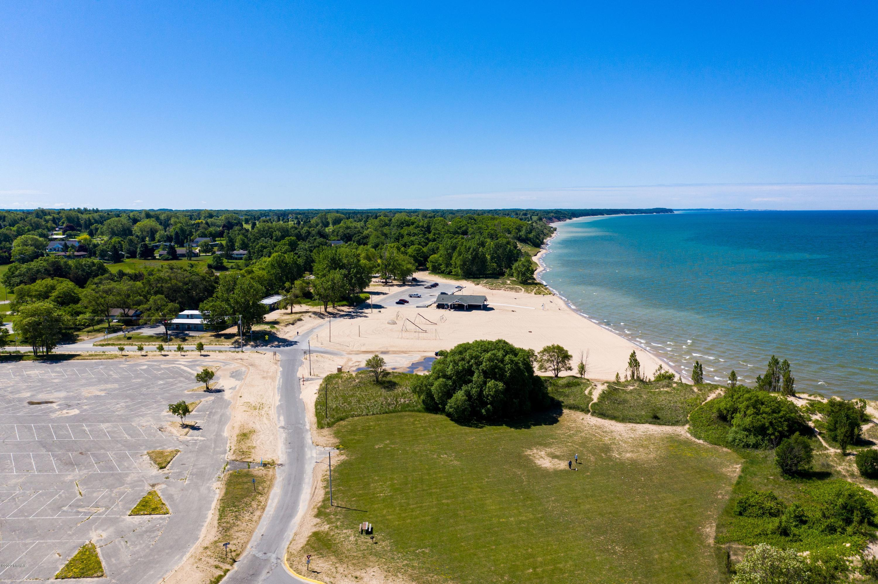 Property for sale at 101 S Lakeshore Drive, Manistee,  Michigan 49660