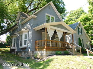 This picture perfect home is in the Creston Hts. neighborhood on a quiet secluded street.  Only   a block from the award winning City High/Middle School and Kent Country Club.  Beautiful original woodwork and wood floors, huge backyard, cozy front porch and large  basement with new mechanicals.  Affordable home ownership in today's frenzied market!!  Call today.