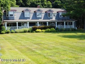 4138 Portage Point Drive, Onekama, MI 49675