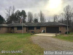 3075 W Pifer Road, Dowling, MI 49050