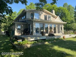 279 S Gull Lake Drive, Richland, MI 49083