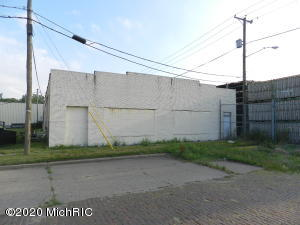253 Park Street, Benton Harbor, MI 49022
