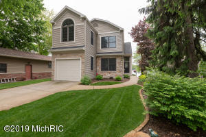 47 N Crooked Lake, Kalamazoo, MI 49009
